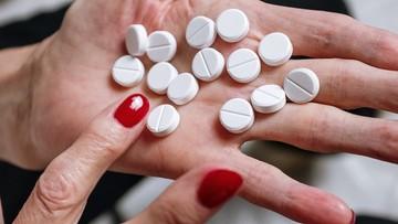 Europejska Agencja Leków bada nowy preparat. Może leczyć cieżki COVID-19