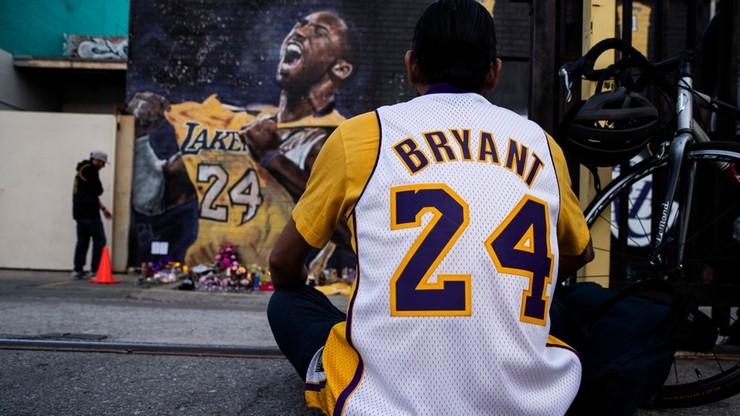 Kibice masowo wykupują pamiątki związane z Bryantem