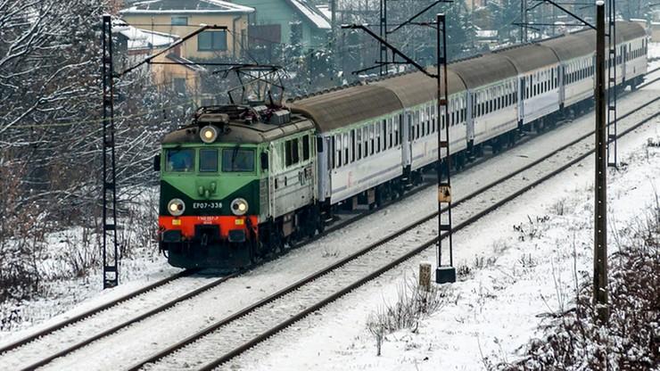 Spóźnienia pociągów. Kolejny dzień sporych utrudnień na kolei. Jak uzyskać odszkodowanie?