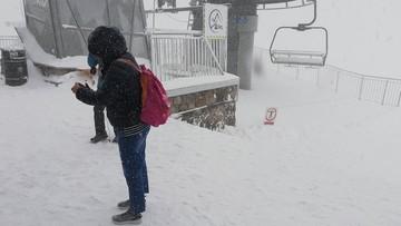 Mróz na Kasprowym Wierchu. Szczyt pokrywa kilka centymetrów śniegu