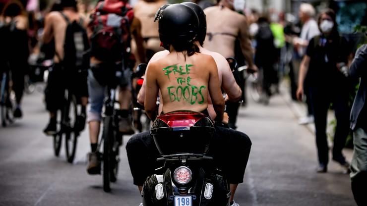 """""""Uwolnić biust"""" - demonstracja w Berlinie"""