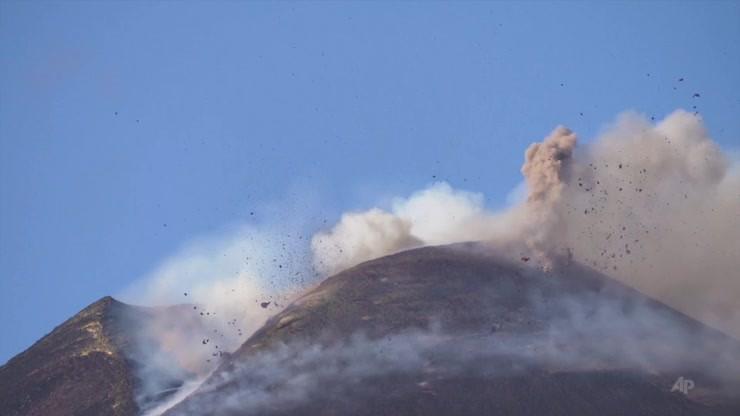 Włochy. Kolejna w ostatnich dniach eksplozja Etny