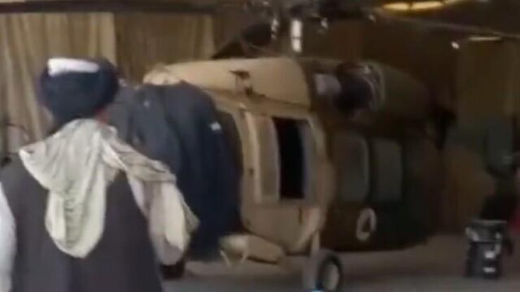 """Afganistan. Talibowie przejęli amerykańskie uzbrojenie. """"Samoloty, Humvee i Black Hawki"""""""