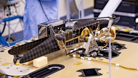 NASA Helicopter już gotowy do lotu na Marsa. Dron został połączony z łazikiem