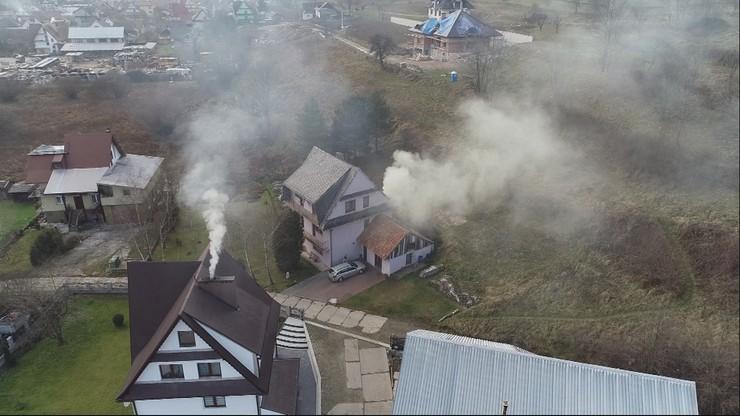 Ekodoradcy w małopolskich gminach przekonują do wymiany pieców. Ma to pomóc zwalczyć smog