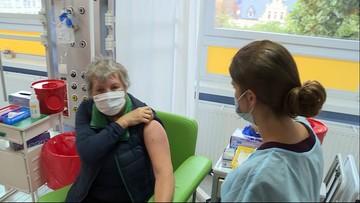 """Trzecia dawka szczepionki. """"Rozszerzenie grupy uprawnionych ma w Polsce sens"""""""