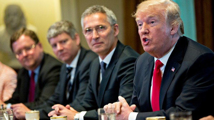 Trump krytykuje Niemcy: kupują gaz za miliardy dolarów, ale nie wydają dość na siły zbrojne