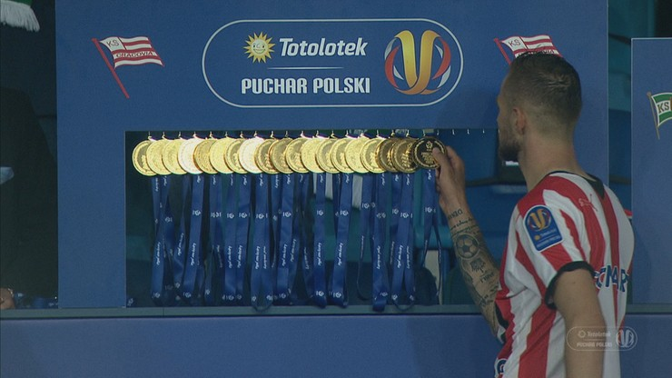 Cracovia - Lechia Gdańsk: Niecodzienna ceremonia dekoracji. Piłkarze sami odebrali medale (WIDEO)
