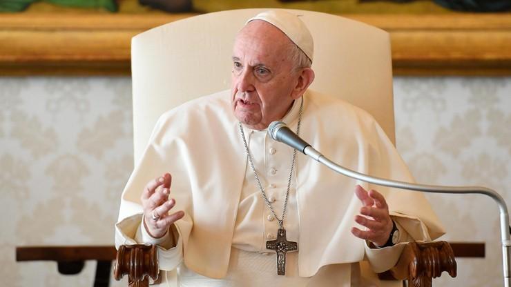 Papież zdymisjonował biskupa. Był oskarżany o tuszowanie pedofilii w Kościele