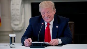 """Trump zaintrygowany filmami z UFO. """"To niezły materiał"""""""