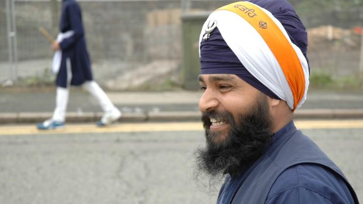 Pentagon zezwolił trzem sikhijskim rekrutom na noszenie brody