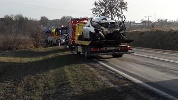 Zderzenie ciężarówki z samochodem osobowym k. Bydgoszczy. Jedna osoba nie żyje