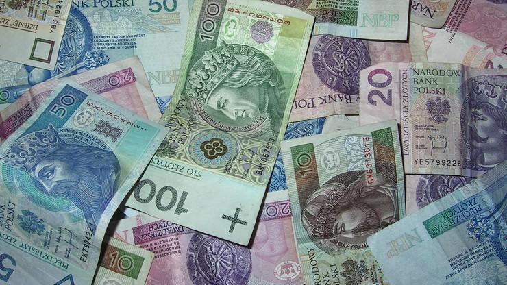 Falsyfikaty polskiej waluty. NBP podał, ile fałszywych złotówek wykrył w 2020 roku