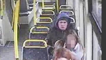 Łódź: obcinał kobietom włosy w tramwajach. Został zatrzymany