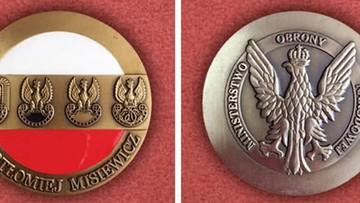 Moneta z nazwiskiem Misiewicza. Rozenek pyta MON o szczegóły
