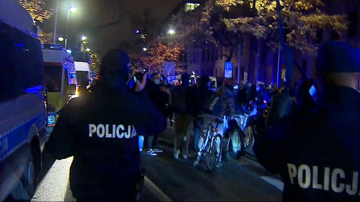 """Protest przed MEN - """"Czarnek do domu"""". Interweniowała policja"""