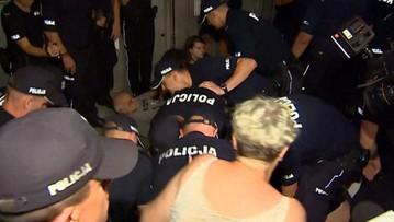 Przepychanki z policją po miesięcznicy smoleńskiej