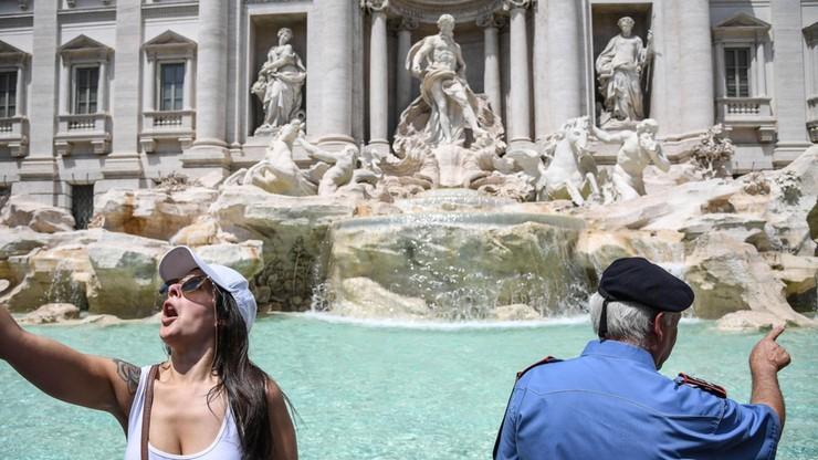 Kontrolowane oglądanie Fontanny di Trevi. Eksperyment potrwa dwa miesiące