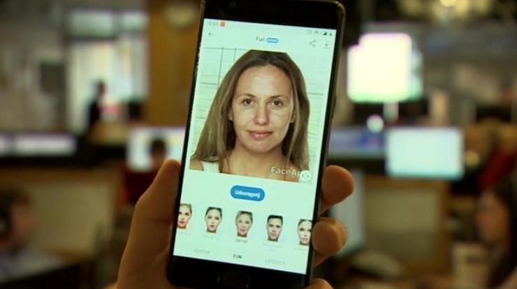 """Popularna aplikacja do """"postarzania"""" twarzy zarobiła w 10 dni ponad milion dolarów"""