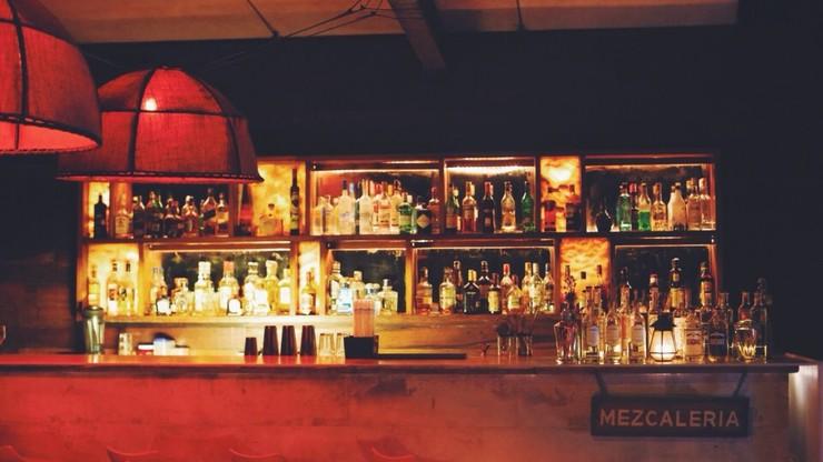 Otworzyła bar i serwowała alkohol. Teraz grozi jej więzienie