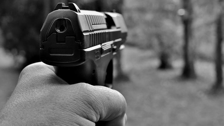 Białystok. Bez wyroku w sprawie policjanta, który postrzelił uciekiniera