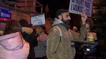 W pobliżu ambasady Izraela zebrało się kilkadziesiąt osób, m.in. narodowcy i Obywatele RP