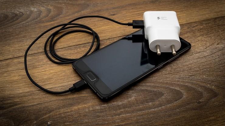 Jeden kabel do ładowania urządzeń elektronicznych. W czwartek UE zgłosi ustawę do prac w komisji