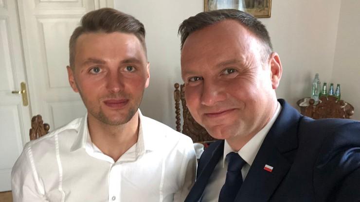 """""""Wielki szacunek, Panie Andrzeju!"""". Prezydent spotkał się z Andrzejem Bargielem"""