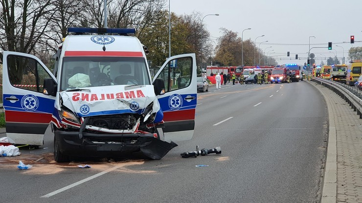 """Mazowieckie: kierowca """"covidowej"""" karetki stanie przed sądem. Miał spowodować śmiertelny wypadek"""