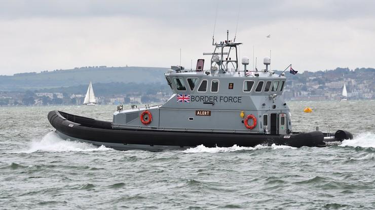 49 nielegalnych imigrantów płynęło łodziami przez kanał La Manche