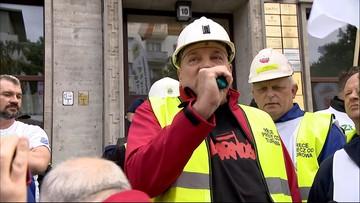 """""""Ręce precz od Turowa"""". Górnicy protestują we Wrocławiu"""