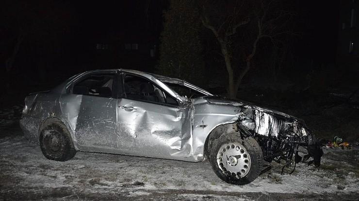 Pijany kierowca uciekał, próbował rozjechać policjanta. Padły strzały