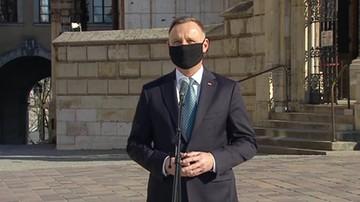 Jestem tu, żeby oddać hołd - prezydent Andrzej Duda oddał na Wawelu hołd ofiarom katastrofy Smoleńskiej