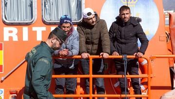 W hiszpańskim porcie zainstalowano ogrodzenia z drutem kolczastym przeciw migrantom
