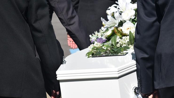 Sanepid przerwał pogrzeb. Zmarły był zakażony koronawirusem