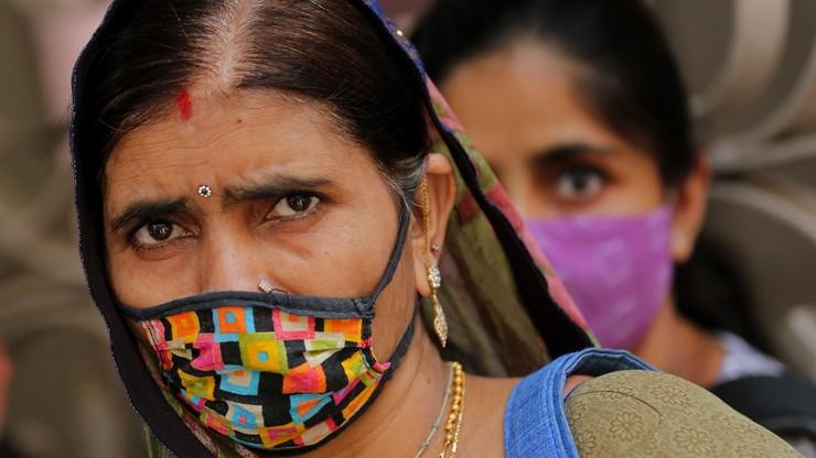 Indie. Rekord zakażeń koronawirusem - ponad ćwierć miliona. Służba zdrowia na granicy wydolności