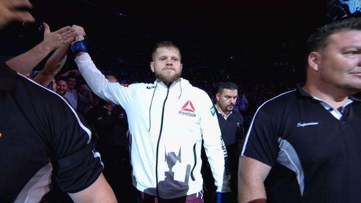 UFC: Awans Tybury w rankingu kategorii ciężkiej