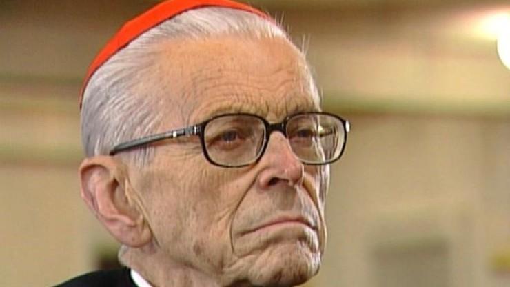 """Kardynał Macharski w szpitalu. """"Bardzo poważny stan"""""""