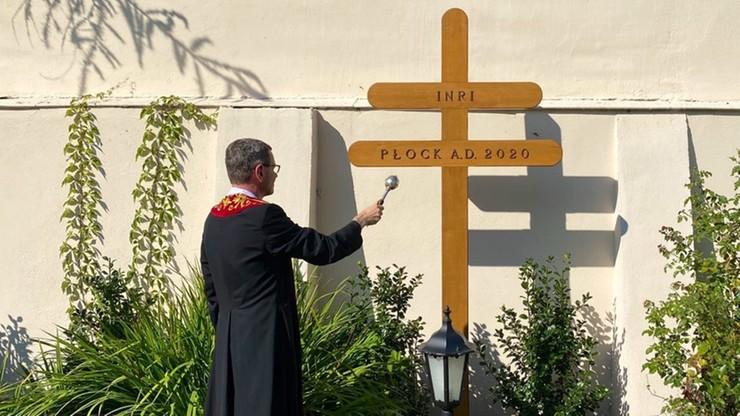 Biskup chce stawiać... krzyże morowe. Mają chronić przed zarazą