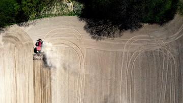 Prezydent stolicy o suszy: Apeluję zwłaszcza jeżeli chodzi o branie częstych kąpieli