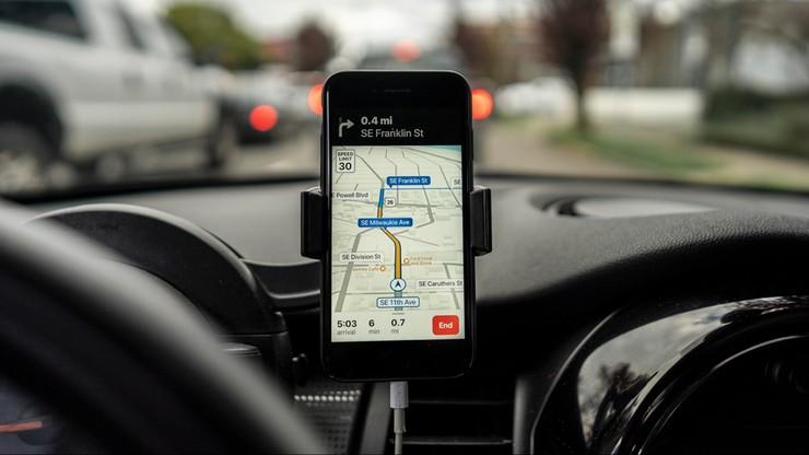 """""""Nie podążać za wskazówkami Google Maps"""". Władze Sardynii przestrzegają kierowców"""