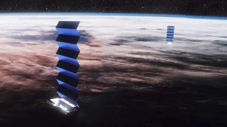 Błyszczące satelity StarLink utrudnią obserwacje kosmosu? Musk twierdzi, że nie