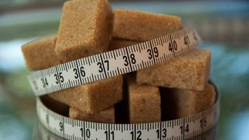 Polacy jedzą rocznie 12 kg więcej cukru przetworzonego niż 10 lat temu