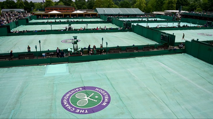 Wimbledon: Mecz Huberta Hurkacza opóźniony ze względu na opady deszczu