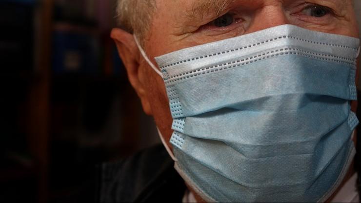 Niemcy: lekarze są krytyczni wobec obowiązku noszenia maseczek do wiosny 2022 roku