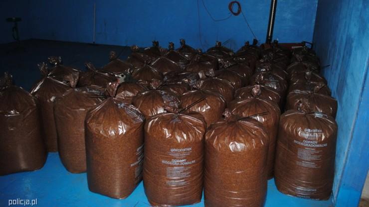 3 tony tytoniu w nielegalnej fabryce papierosów