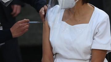Węgrzy rozpoczęli szczepienia przeciw Covid-19. Dzień wcześniej niż planowano