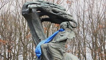 Chopin w niebieskim szaliku. Prezent od Teatru Wielkiego