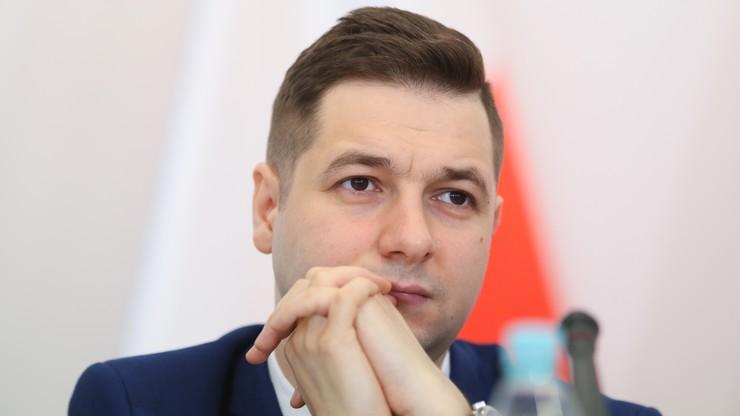 Jaki: decyzja reprywatyzacyjna ws. gimnazjum wadliwa prawnie