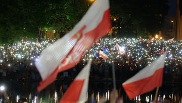 """""""Rozum zwyciężył""""; """"Dziękujemy Panie Prezydencie""""; """"Dwa weta to za mało"""". Opozycja komentuje decyzję Andrzeja Dudy"""